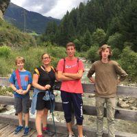 Monguelfo (Trentino, italy) Trekking al limite Italia - Austria. Fin de las vacaciones de verano 2017.