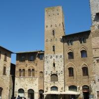 Las Casas Torre. Fortalezas Urbanas del Medioevo.