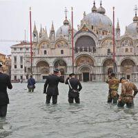 Agua alta record en Venezia.