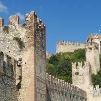 Soave, una de las ciudades amuralladas más bellas del Veneto.