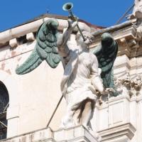"""El Angel de la """"Chiesa di Santa Maria del Giglio"""". Venezia, Italia."""