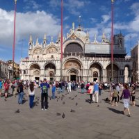 Los mástiles porta bandera de la Plaza de San Marco, Venecia.
