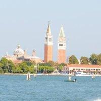 Los campaniles de San Marco y de San Giorgio Maggiore.
